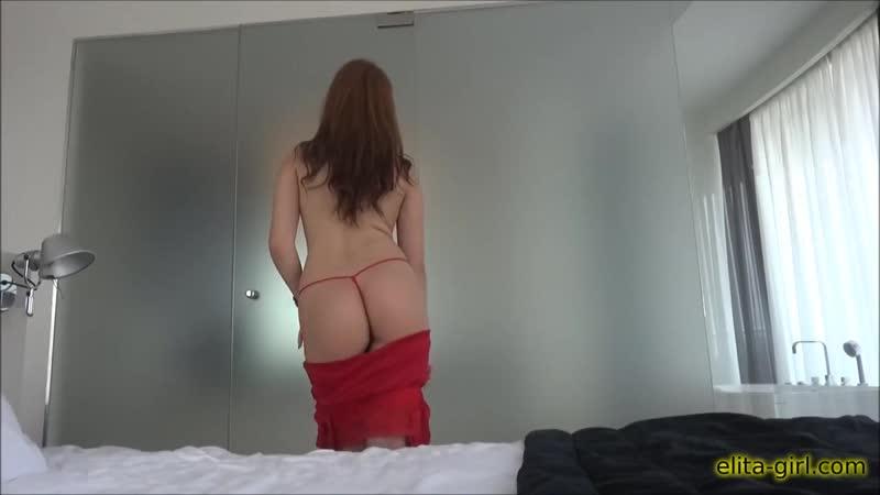 Симпотичная мадам извращается перед видеокамерой для сайта знакомств elita