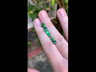 Зелёные гранаты