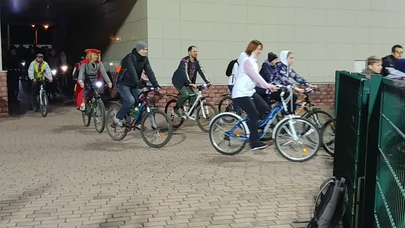 въезд велоколонны на стадион Метеор
