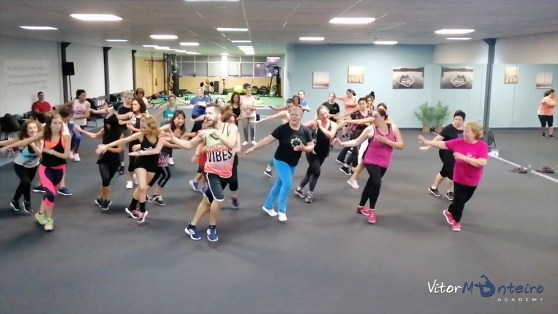 LET´S TWIST AGAIN - Chubby Checker | ZUMBA