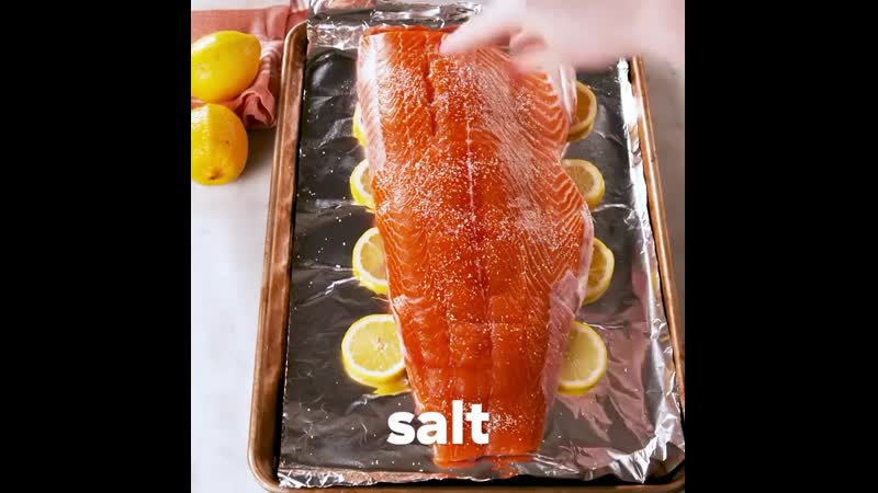 Филе морской форели снова в наличии❗️ Успевайте отведать его с этим новым рецептом от знаменитых Delish😉⠀🌿НУЖНО: ⠀2 лимона,