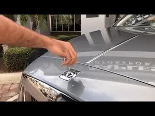 Что произойдет, если вы попытаетесь украсть значок Rolls Royce