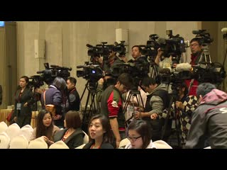 0129 Running Man press conference  이광수李光洙(Lee Kwang-soo) Kiss  偷親 김종국金鐘國(Kim Jong Kook) RM記者會.mp4