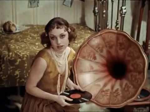 Фрагмент из фильма: 12 Стульев (Эллочка Людоедка)