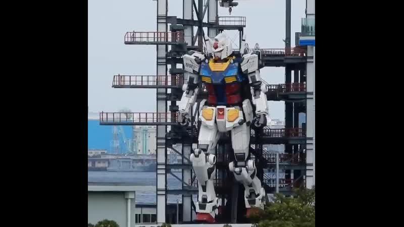 Тестирование Гандама в натуральную величину в Иокогаме