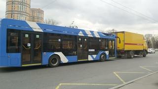 """Троллейбус 6281 """"Адмирал"""" б.6211 на буксире следует в троллейбусный парк №6 () Санкт-Петербург"""