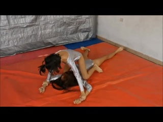 Teen Fight - GREAT match - These girls know what they are doing!! Match 221