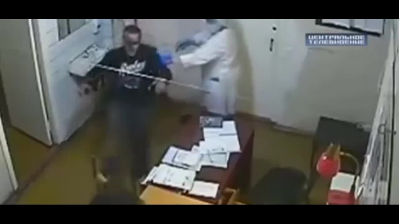 Очевидец снял на видео начало конфликта с избиением врача в Подмосковье 2016