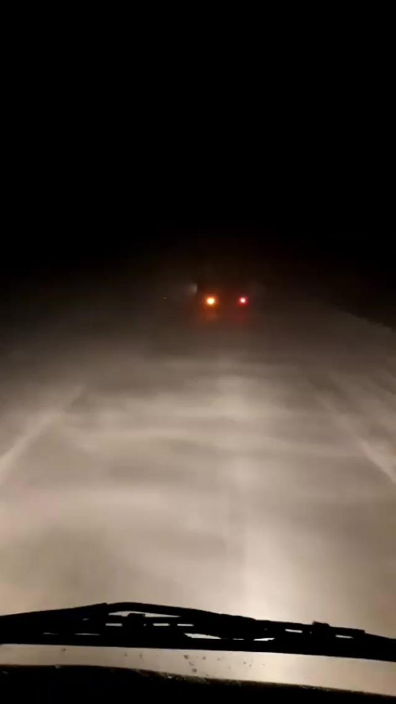 На трассе Оренбург × Самара гололёд, метель, туман ... .