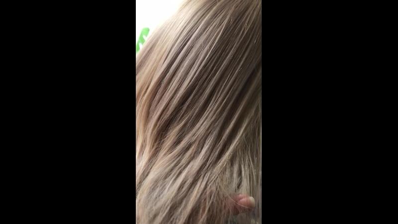 Химичим 🧑🔬🧪👩🔬с полотном волос и оттенками ,но с умом и знаниями.@pankova_victoria🧫🧐Мы с Людочкой и Алиночкой постоянно с ними химичим со смесями поэтому все так ...интересно получается.В этой миске , всего 10 грм красителя ,ну а все остальное химические и физические процессы вам в помощь.Ну работает интересно и качественно ,прям хорошо работает ,дополнительный блеск,плотность цвета и уход дополнительный ,носибельность оттенков получается продлевается ,мы пользуемся этим методом в работе.Интересно приходите поделимся знаниями. Ставьте ❤, если понравилась работа . ❣❄Ждем всех желающих навести красоту,запись началась. Чтобы узнать цену, присылайте фото своих волос и желаемого результата пишите в Директ или в лс. 📩 ➡➡Welcome на обслуживание ❤❤❤ Или на обучение ❤❤❤❤ vk.comhaircutseducationlg 📌💈✂Профессиональные инструменты (ножницы, машинки, фены, расчески, пеньюары и т.д.), материалы и препараты ведущих брендов Европы, вы можете приобрести в нашем магазине на базе учебного центра! Наш магазин vk.comluginstrument Группа по обучению vk.comhaircutseducationlg Instagram www.instagram.compankova_victoria www.instagram.comthebarber_max Вк vk.compankovaviktoria vk.comthebarber_max ☎Телефоны 380666783030(МТС) 380721352406(Лугаком,Viber) - обучение 380950456111(МТС) - продажа косметики, инструмента и обучение 380959262880(МТС) - ремонт ukraine lugansk украина лугансккурсыпарикмахеровлугансксеминары викторияпанковаколористикаснуля колористлуганскокрашиваниеволослуганскобучениепарикмахерскомуискусствулуганскпарикмахерлуганскколористикаобучениекрасивыеволосыкуаффанслуганск ерайба виталитис дюкастель coiffance_ecs eraybaprofessionalline vitalitis hair haircolor