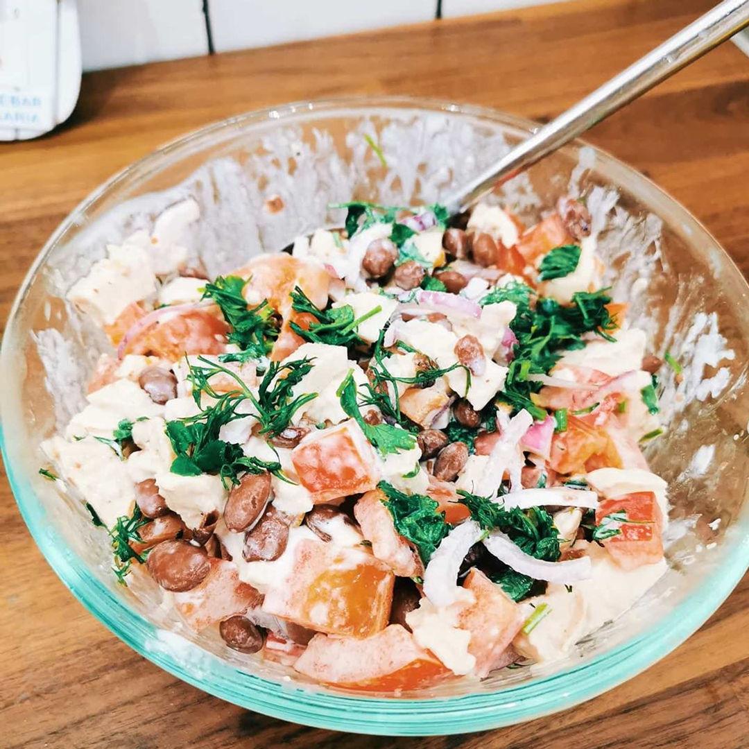 Вкусный белковый салат