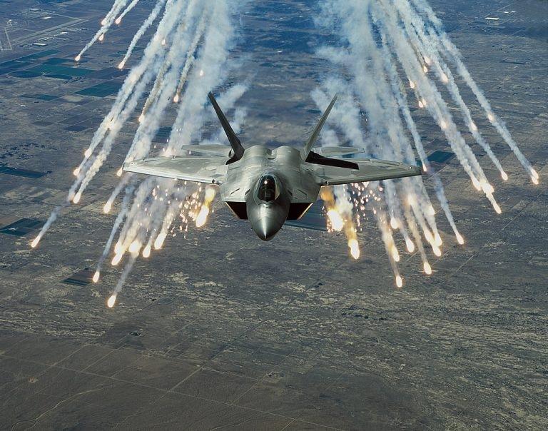 ИСТРЕБИТЕЛЬ ПЯТОГО ПОКОЛЕНИЯ F-22 RAPTOR, изображение №12