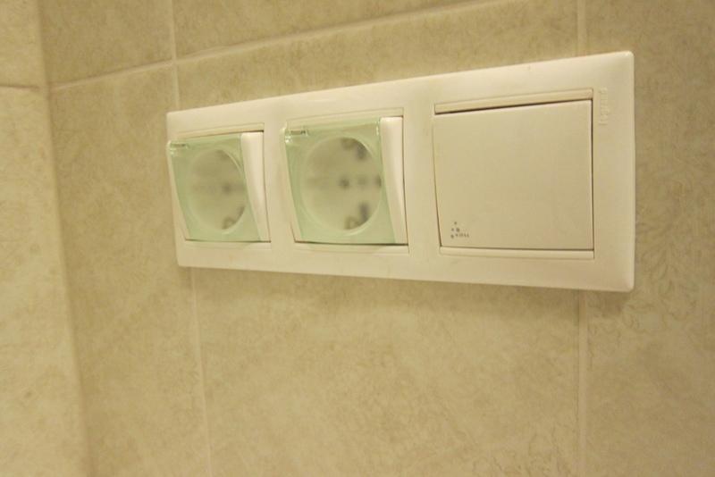 Правила выбора и установки розеток в ванной комнате.