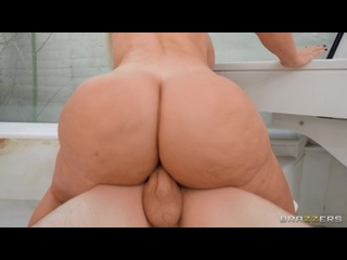 BrazzersExxtra Brazzers Blondie Fesser - Helping Hands On Her Big Tits All Sex, Blowjob, Big Tits, Facial
