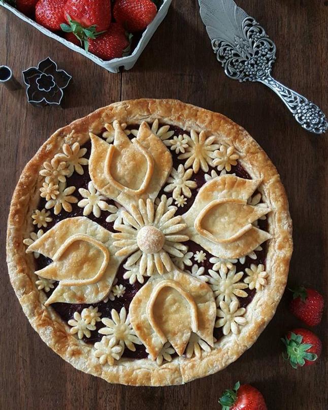 Как украсить пироги)