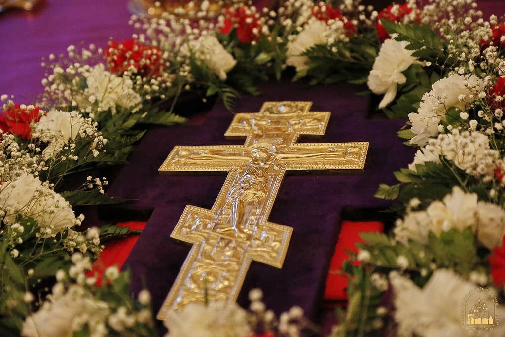 Началась Крестопоклонная седмица, установленная в середине поста, чтобы напомнить верующим о страданиях Спасителя на Кресте и о Его Победе над смертью.