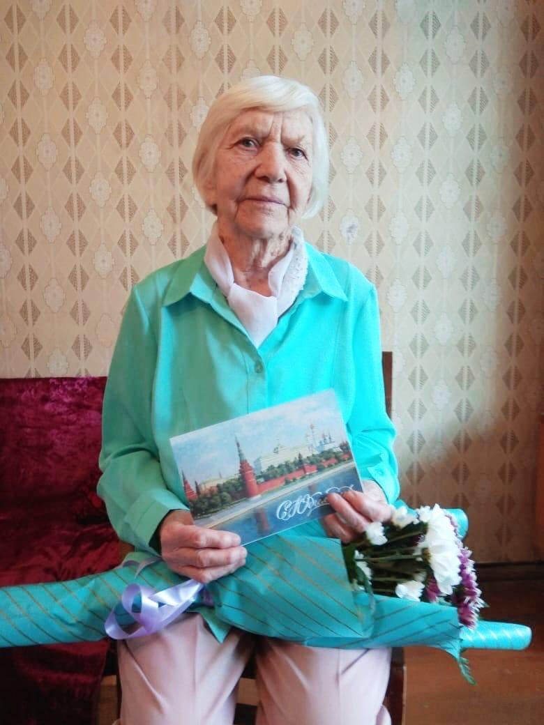 Сегодня свой 90-летний юбилей отмечает можгинка Акатьева
