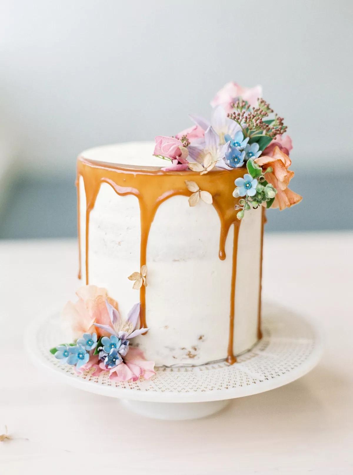 QAIlm5ZTYug - Маленькие свадебные торты
