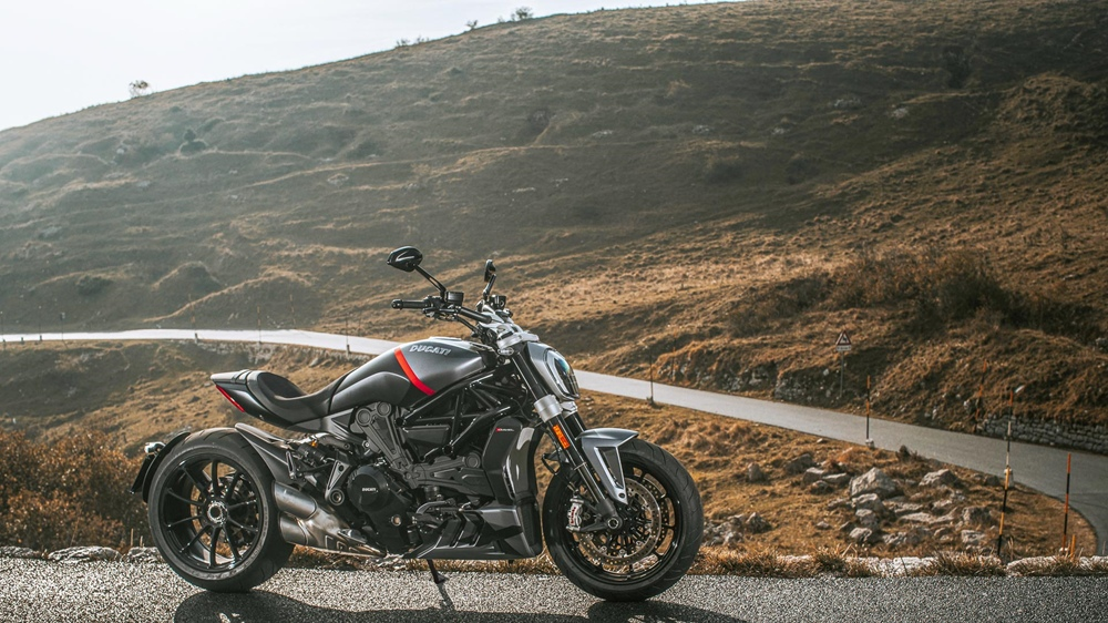 Пауэр-круизёр Ducati XDiavel Black Star 2021