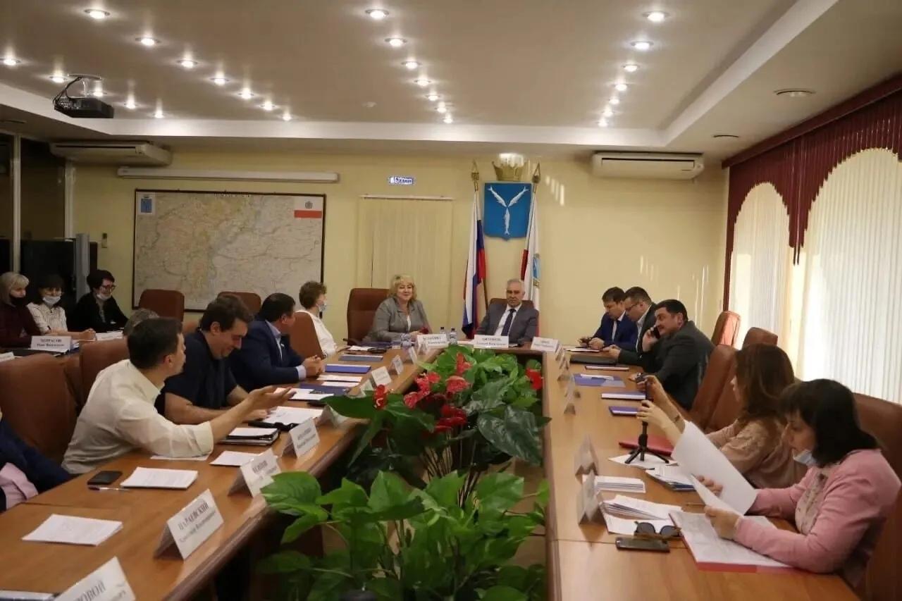В Саратовской областной Думе обсудили законопроект по предоставлению дополнительного пакета льгот для резидентов ТОСЭР