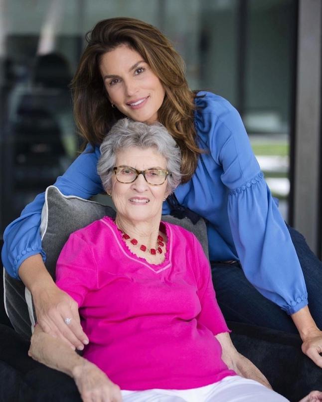 #rip@topmodelspublic — 25 апреля ушла из жизни бабушка супермодели Синди Кроуфорд: