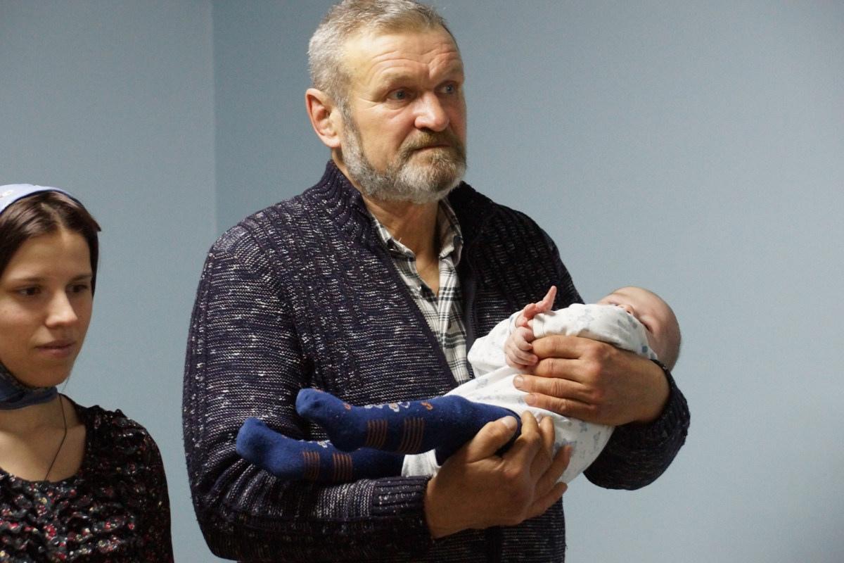 Крещение трех новых обитателей кризисного центра 22