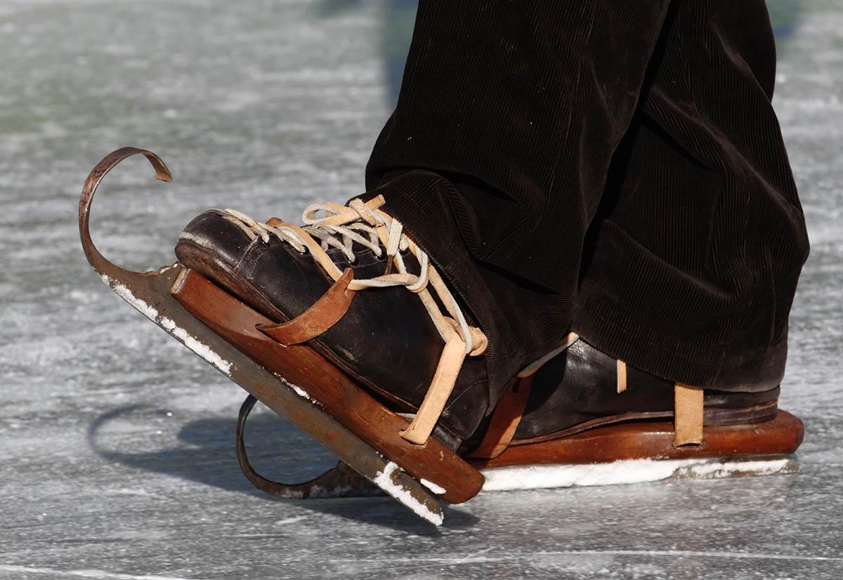 Катание на коньках в современном мире приобретает поистине массовый характер.