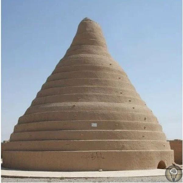 Древнейшие холодильники К 400 году до нашей эры персидские инженеры освоили технику хранения льда летом в пустыне. В течение зимы персидский народ привозил лед с близлежащих гор и хранил его в