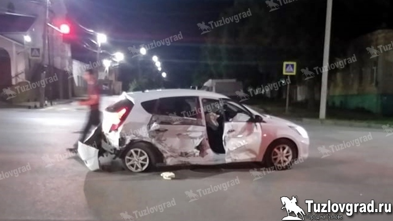 В Новочеркасске пьяный водитель выехал на встречку и столкнулся с другой машиной