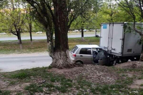 ДТП на Степана Разина | DAEWOO Matiz протаранил несколько автомобилей