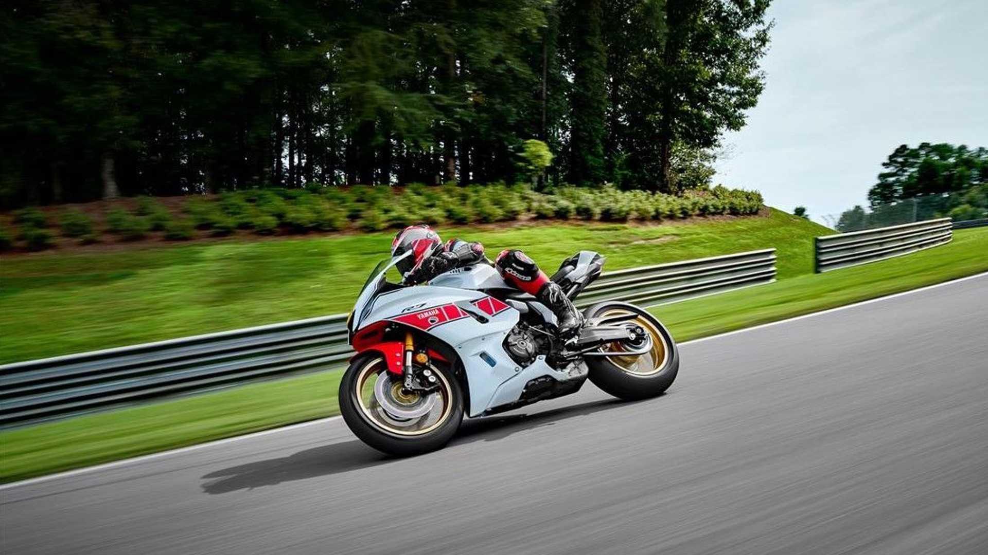 Yamaha представила юбилейные спортбайки в честь 60-летия выступлений в Гран При