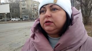 Астраханский блогер Галина СПРАВЕДЛИВАЯ показала мне опасный участок дороги на въезде старого моста