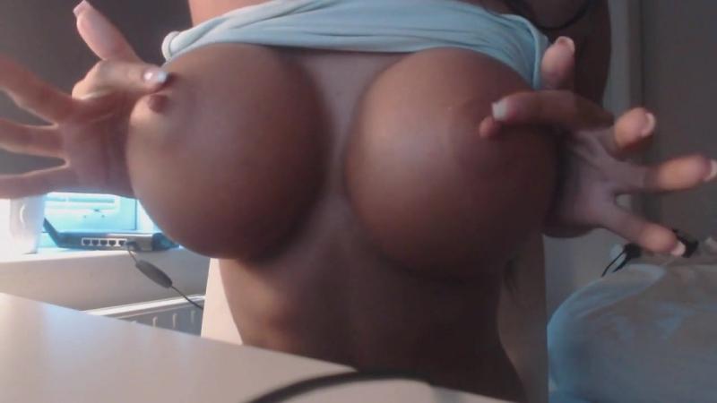 Супер сиськи Emelie Ekstrom фитоняшка порно частное домашнее секс знакомства чат бот анонимный интимные молодая
