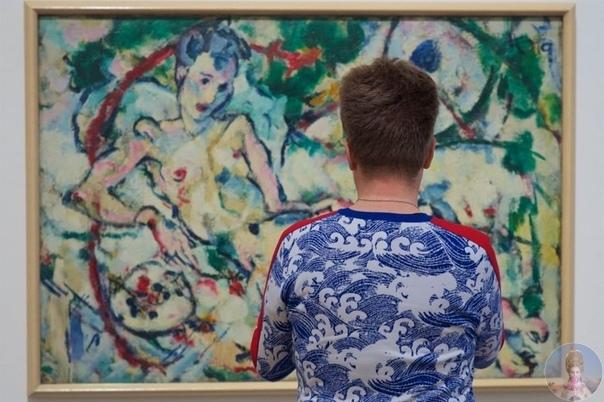 Стефан Драшан часами просиживает в музеях, чтобы поймать кадр, в котором посетитель и картина идеально подходят друг
