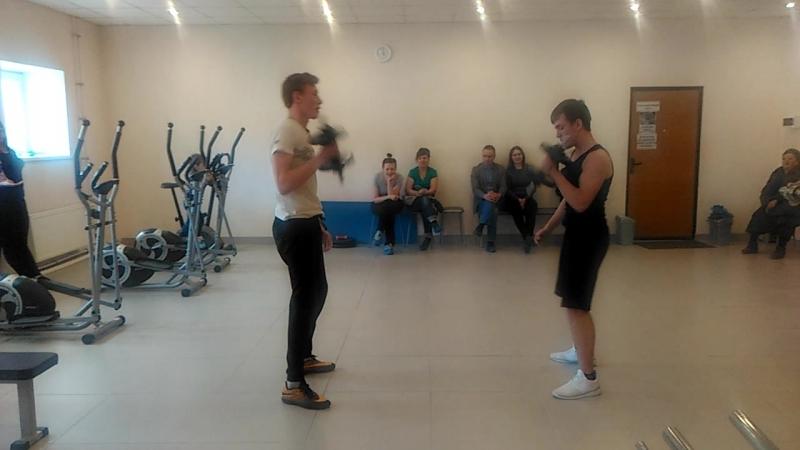 Кирилл и Сережа силовой подъем гантели дамбл 13 кг