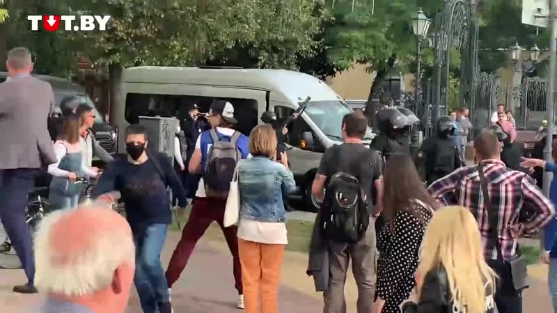 В Бресте милиционер произвел предупредительный выстрел в воздух