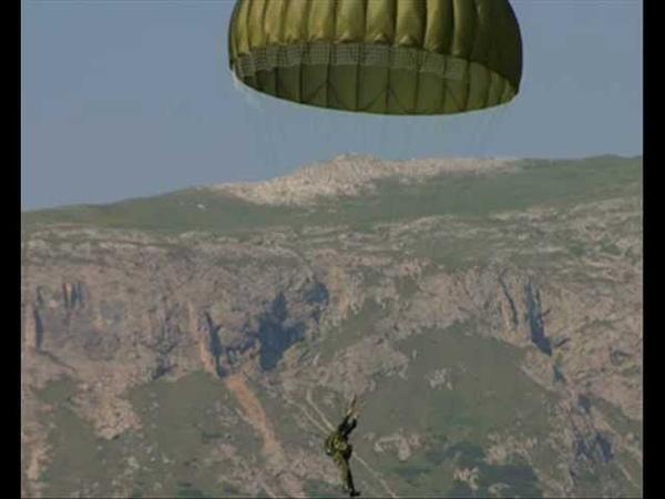 Paracadutista tu Originale con Testo canti e inni dei paracadutisti
