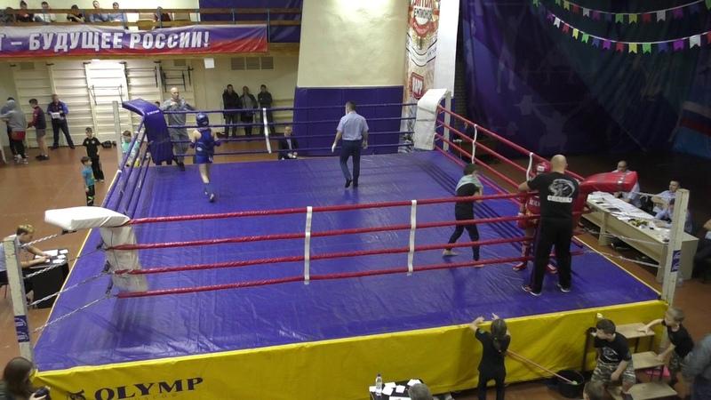 Тайский бокс-2018-полуфинал-Кишкурно Никита-красный-ВСПК СПЕЦНАЗ-синий СК ЮНИОР